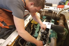 Einstellarbeiten Dieselmotor