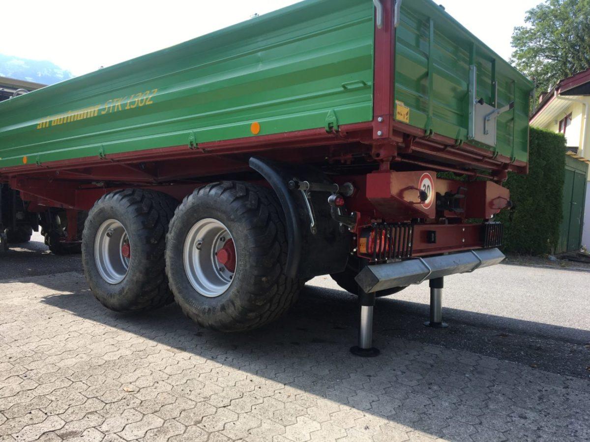 Stützzylinder für sicheres Verladen von Baumaschinen