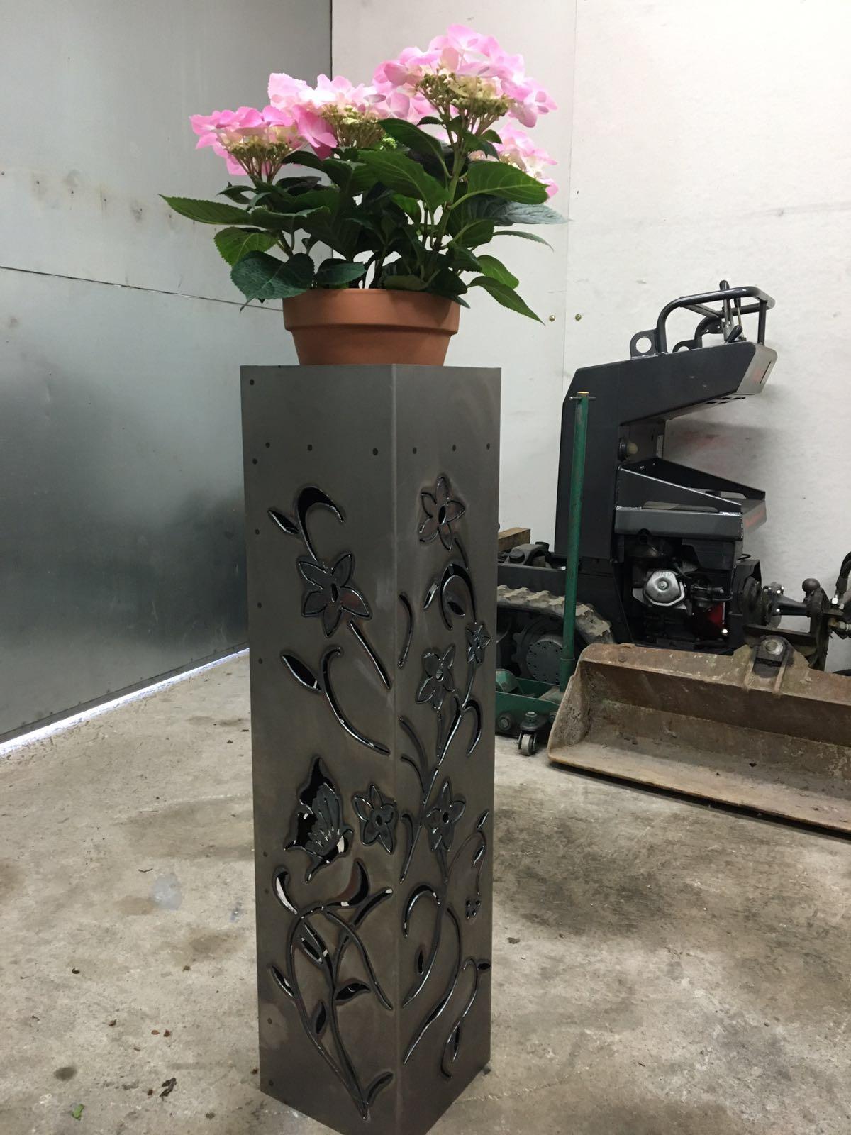 Stahlsäule individuell gestaltbar nach Ihren Wünschen